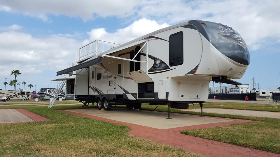 NASCAR RV Rental Sandpiper with Observation Deck