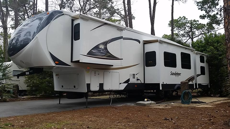Fort wilderness rv rentals sandpiper 1 Rv with 2 bedrooms 2 bathrooms