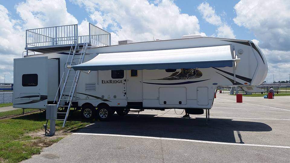NASCAR RV Rental Elkridge with Observation Deck